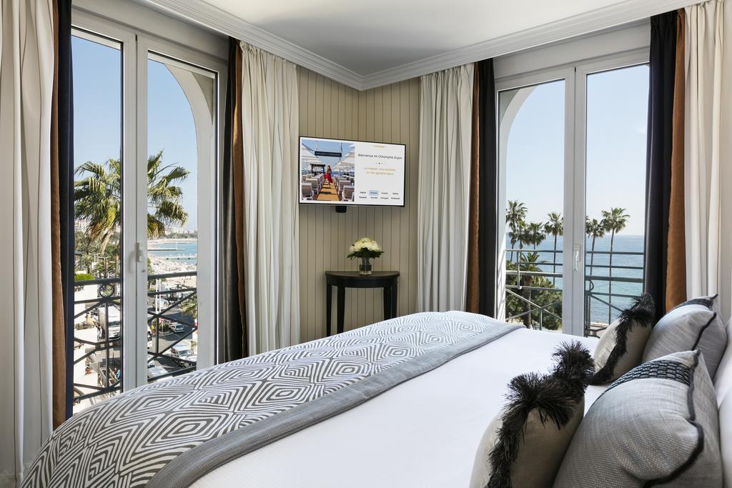 Hôtel gay de Cannes : Hotel Barriere Le Majestic Cannes