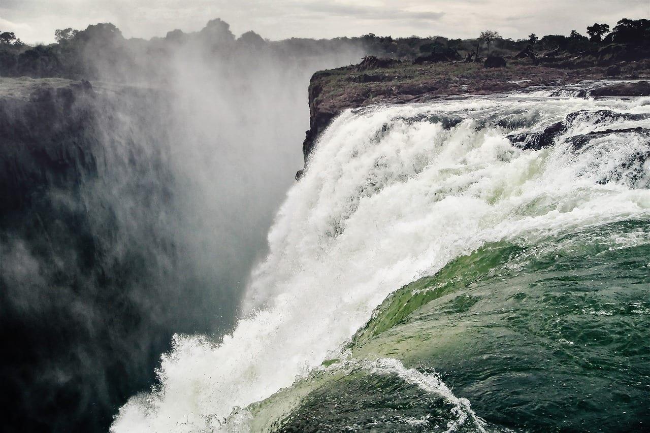 Chutes Victoria, Zimbabwe et Zambie